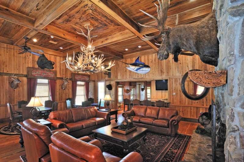 hunting lodge: